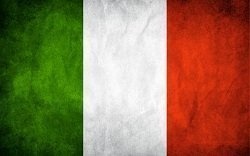 italy_grunge_flag_by_think0